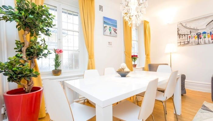 small two bedroom apartment - dining area - apart hotel sveavägen stockholm