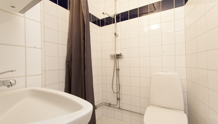 serviced apartment apartment hotel stockholm: studio with sofa bed - bathroom