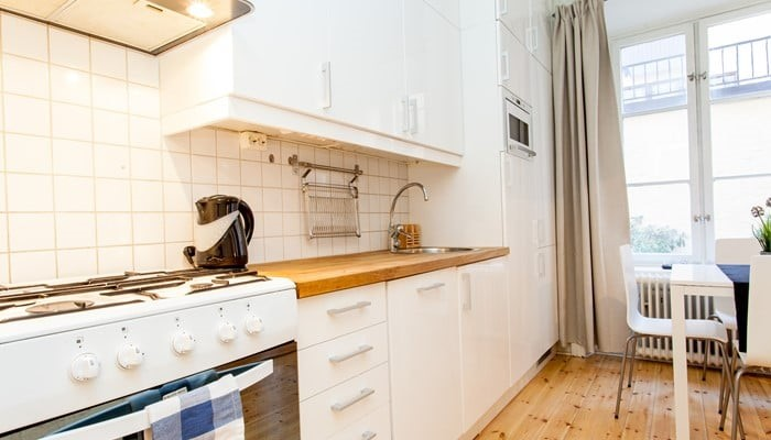 serviced apartment apartment hotel stockholm city center: studio with sofa bed - kitchen