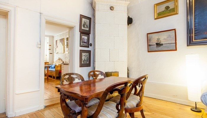 Rental Apartments Old Town Stockholm: Standard One Bedroom Apartment - dining area