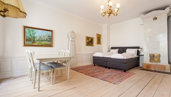 aparthotel stockholm old town: superio one bedroom apartment - bedroom view