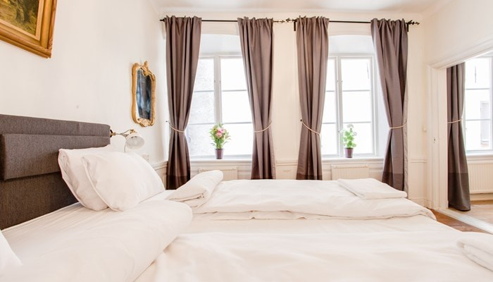 hotel apartment stockholm old town: standard one bedroom - bed