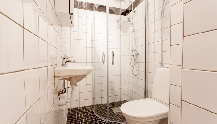 hotel apartment stockholm old town: standard one bedroom - bathroom